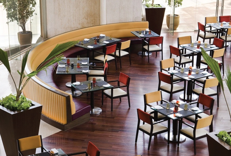 DINING AT COURTYARD MARRIOTT